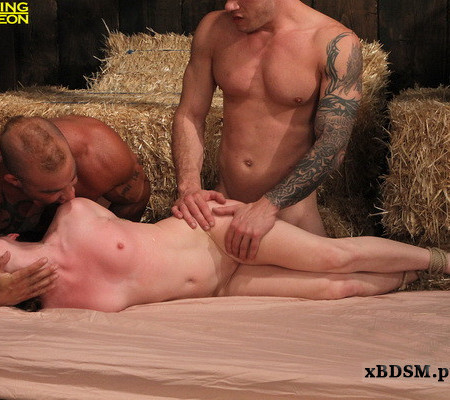 Fucking Dungeon - Into The Lion's Den - Audrey Lords