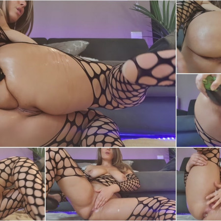Naughtyelle - so streched...mmmm so good [FullHD 1080P]