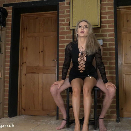Mistress Courtneys Fetish Lair - Slap, Spike, Tease For The Slave [FullHD 1080P]